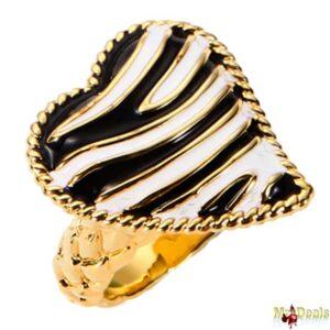 Γυναικείο Κόσμημα Δαχτυλίδι από ανοξείδωτο ατσάλι σε Χρυσό Χρώμα με Μαύρη Λευκή πέτρα και Χρυσή λεπτομέρεια