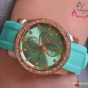 Βεραμάν γυναικείο ρολόι χειρός με λουράκι από καουτσούκ και στεφάνη με κρυσταλλάκια by Amaryllida's