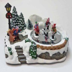 Χριστουγεννιάτικο Διακοσμητικό Σκηνικό Χωριό με Παγοδρόμιο με φως και κίνηση