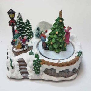 Χριστουγεννιάτικο Διακοσμητικό Σκηνικό Χωριό στολισμός δέντρων με χιόνι, φως και κίνηση